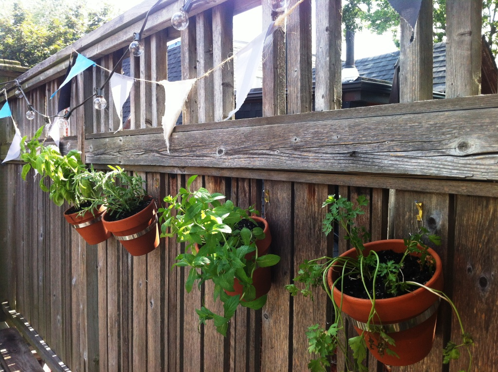 makes me smile blog archive easy diy herb planter thing